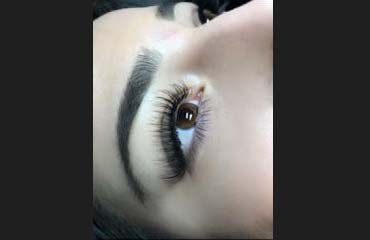 Classic lashes eyebrow wax and tint